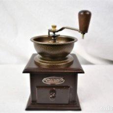 Antigüedades: BONITO MOLINILLO EN MADERA DE CAFÉ. Lote 245274220