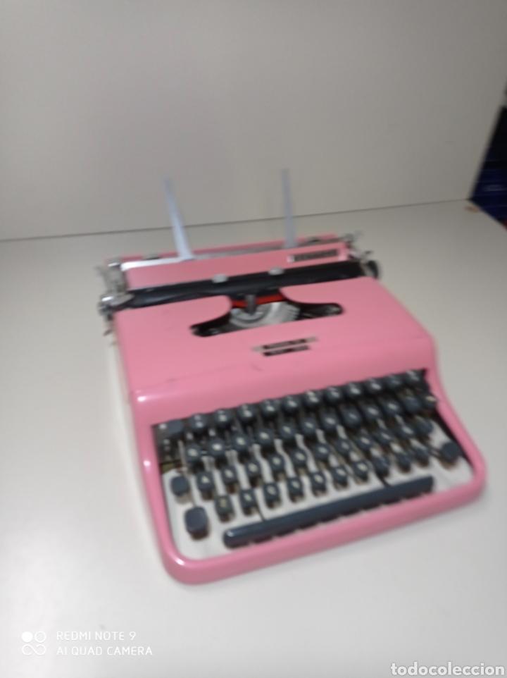 Antigüedades: Bonita máquina de escribir Hispano Olivetti, Pluma 22, la rosa, buscada y difícil de encontrar. - Foto 2 - 245353335