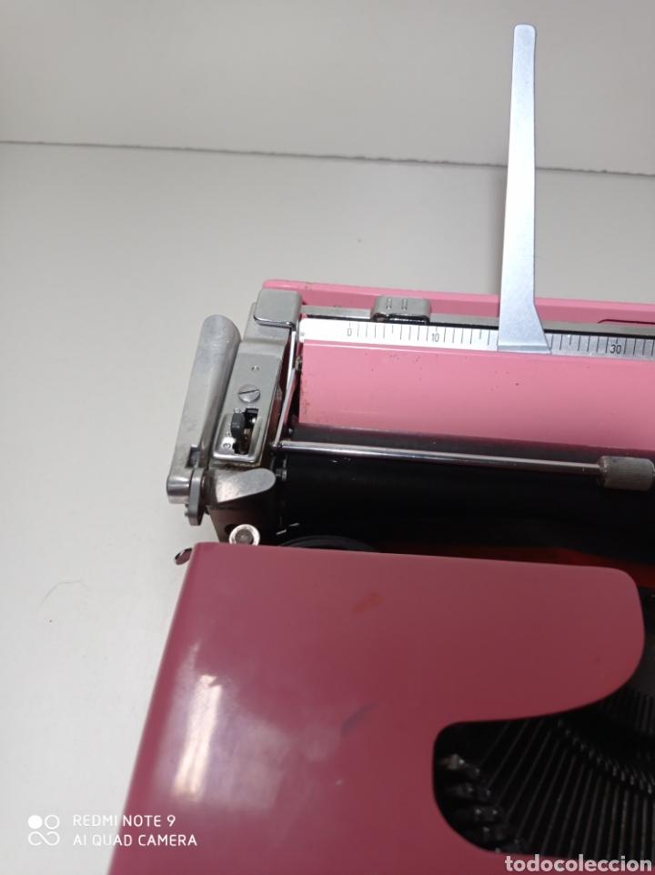 Antigüedades: Bonita máquina de escribir Hispano Olivetti, Pluma 22, la rosa, buscada y difícil de encontrar. - Foto 4 - 245353335
