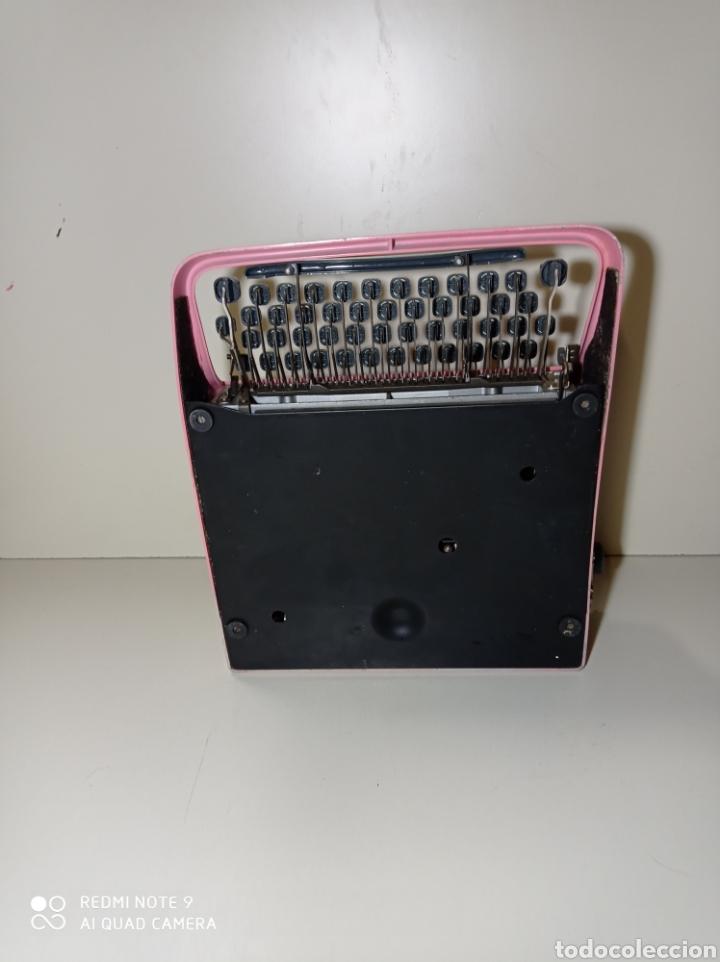 Antigüedades: Bonita máquina de escribir Hispano Olivetti, Pluma 22, la rosa, buscada y difícil de encontrar. - Foto 10 - 245353335