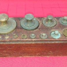 Antigüedades: JUEGO DE PESAS. Lote 245380590