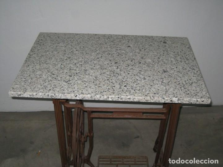 Antigüedades: MESA CON PIE DE MAQUINA DE COSER REFREY - Foto 2 - 245429085