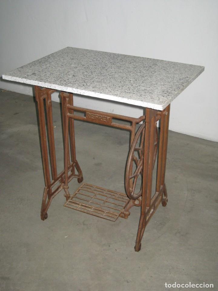 Antigüedades: MESA CON PIE DE MAQUINA DE COSER REFREY - Foto 6 - 245429085