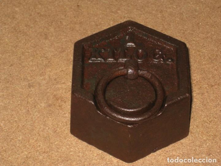Antigüedades: Lote de 2 ponderales, pesas de 1 kilo y medio kilo. - Foto 2 - 245439615