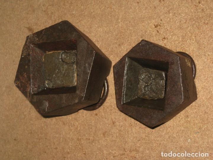 Antigüedades: Lote de 2 ponderales, pesas de 1 kilo y medio kilo. - Foto 5 - 245442015