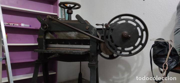 Antigüedades: Máquina prensa-guillotina antigua JOSE ROIG - Foto 10 - 244838230