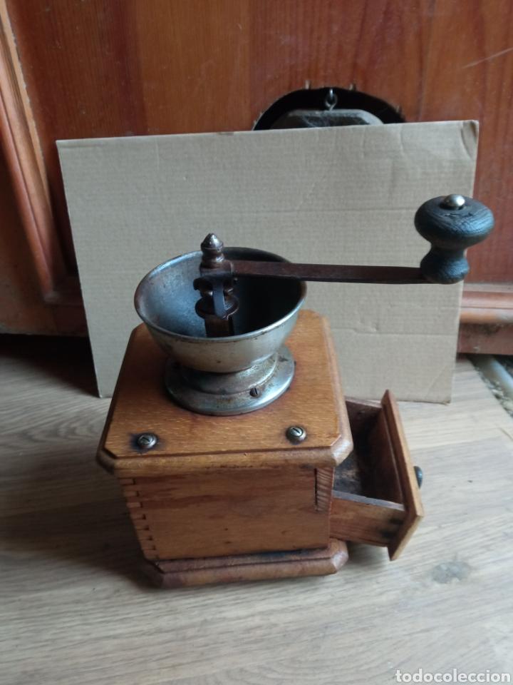 Antigüedades: Molinillo antiguo de madera. - Foto 2 - 245472790