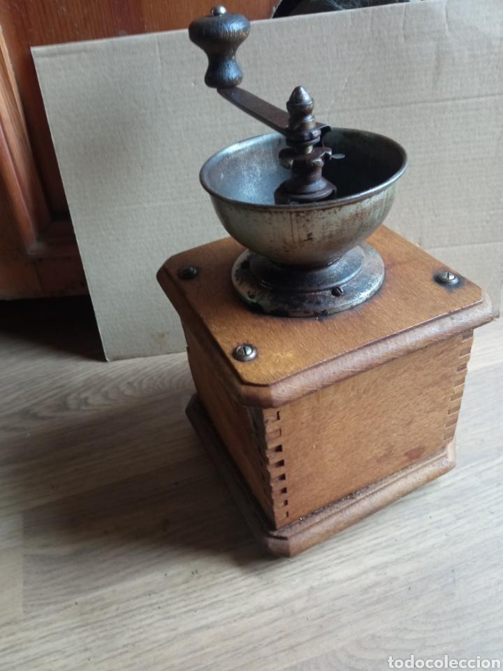 Antigüedades: Molinillo antiguo de madera. - Foto 3 - 245472790