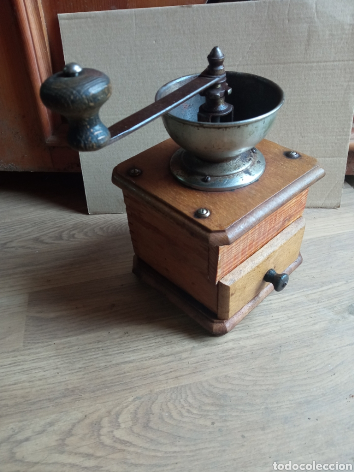 MOLINILLO ANTIGUO DE MADERA. (Antigüedades - Técnicas - Molinillos de Café Antiguos)