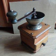 Antigüedades: MOLINILLO ANTIGUO DE MADERA.. Lote 245472790