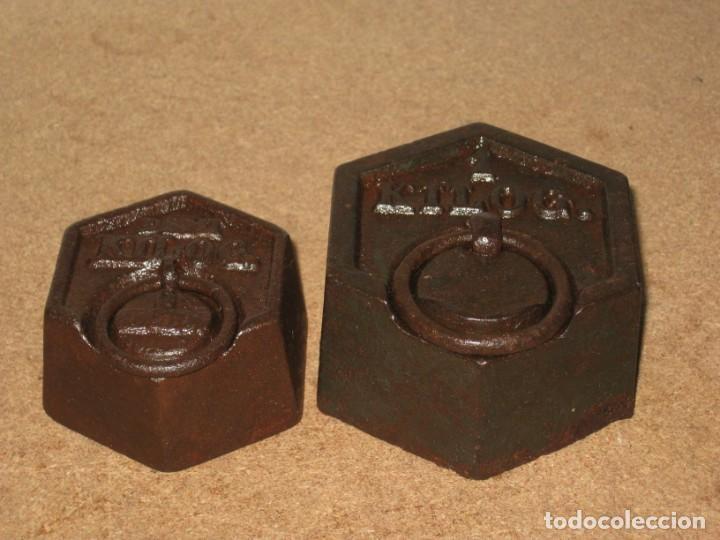 Antigüedades: Lote de 2 ponderales, pesas de 1 kilo y medio kilo. - Foto 2 - 245473755