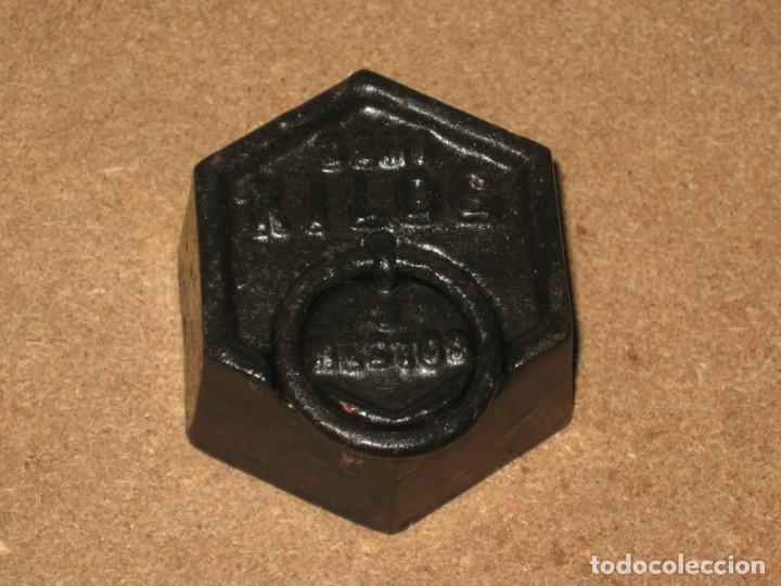 Antigüedades: Lote de 3 ponderales, pesas de 1 kilo, medio kilo y 200gr. - Foto 4 - 245475380
