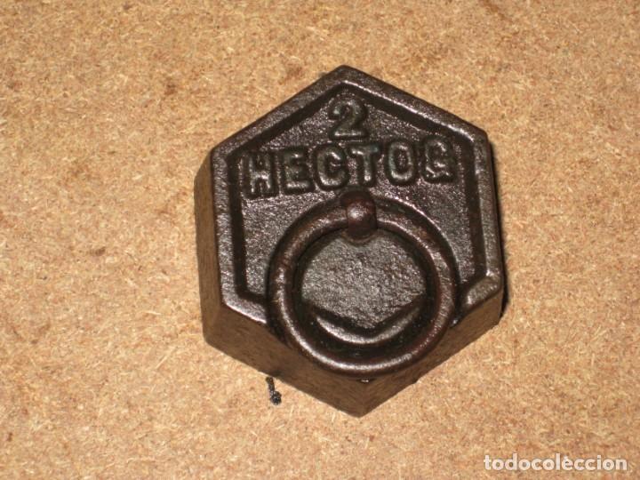 Antigüedades: Lote de 3 ponderales, pesas de 1 kilo, medio kilo y 200gr. - Foto 5 - 245475380