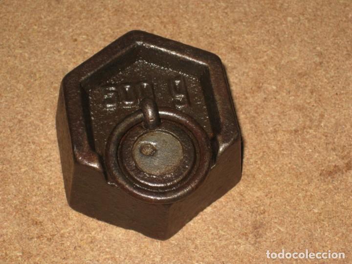Antigüedades: Lote de 3 ponderales, pesas de 1 kilo, medio kilo y 200gr. - Foto 4 - 245479255