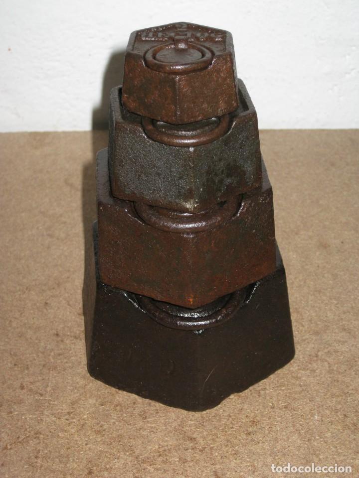 Antigüedades: Lote de 4 ponderales, pesas de 2 kilos, 1 kilo, medio kilo y 200gr. - Foto 8 - 245480030