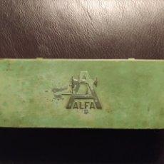 Antigüedades: CAJA METALICA ALFA DE ACCESORIOS. Lote 180446240