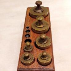 Antigüedades: JUEGO DE PESAS. Lote 245514425