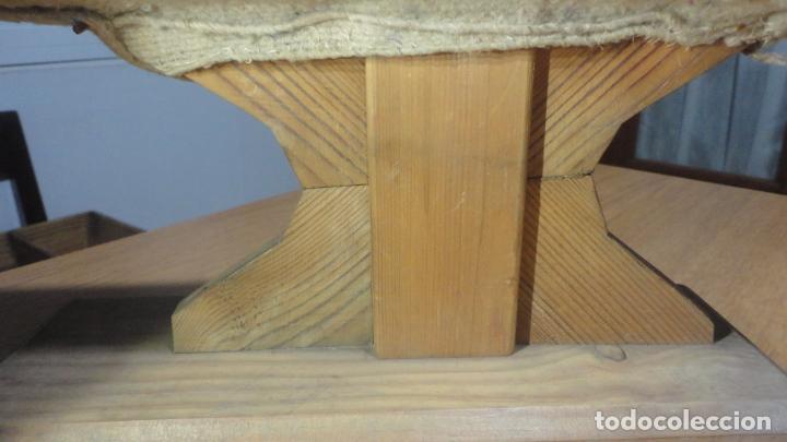 Antigüedades: ANTIGUA TABLA PARA PLANCHAR ROPAS PEQUEÑAS.PUÑOS.MADERA SIGLO XX. - Foto 2 - 245732290