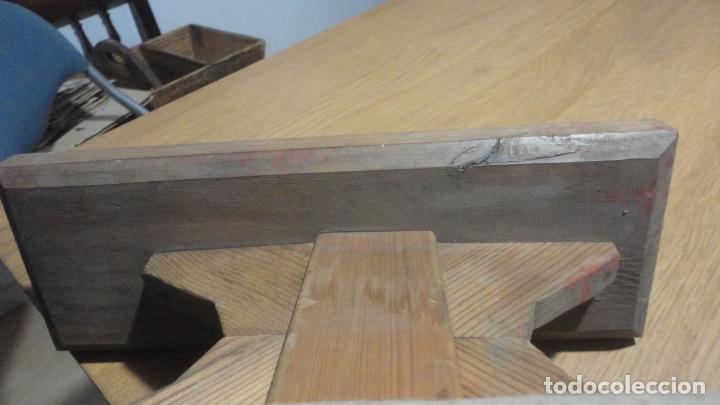 Antigüedades: ANTIGUA TABLA PARA PLANCHAR ROPAS PEQUEÑAS.PUÑOS.MADERA SIGLO XX. - Foto 6 - 245732290