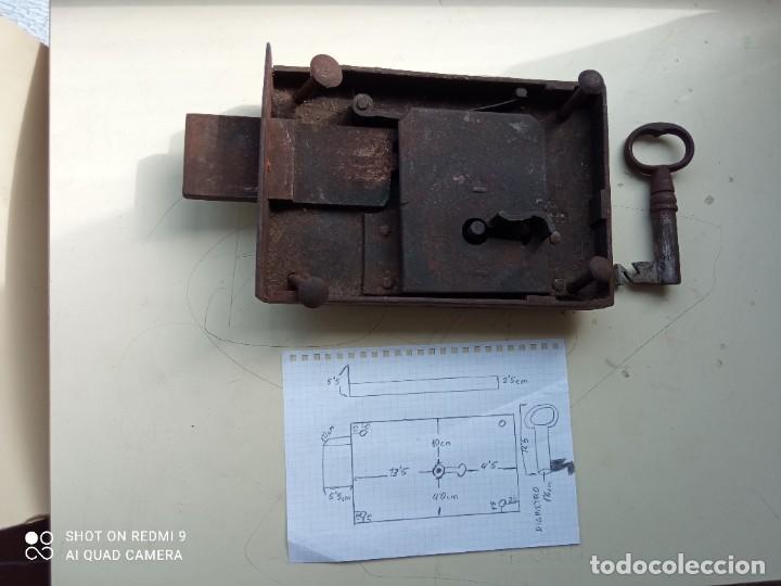 Antigüedades: CERRADURA DE HIERRO ANTIGUA CON LLAVE - Foto 5 - 245902730