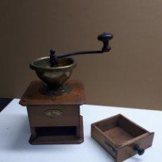 Antigüedades: ANTIGUO MOLINILLO PEUGEOT FRERES. Lote 246117710