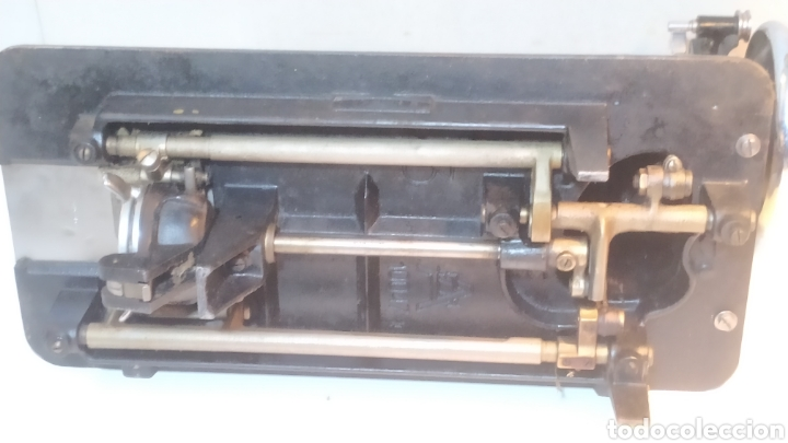 Antigüedades: Máquina de coser Alfa, modelo A o 20 - Fabricada en Éibar años 50 - Foto 22 - 246434545