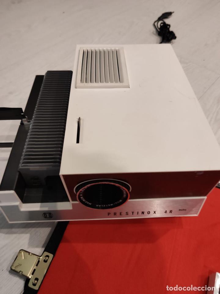 Antigüedades: Proyector diapositivas Prestinox 4r auto - Foto 3 - 246477140