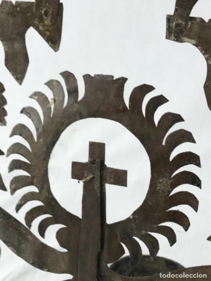 Antigüedades: MUY ANTIGUA LÁMPARA DE PARED DE ACEITE Y MECHA. HIERRO FORJADO SG XVII. CRISTAL DE ÉPOCA. - Foto 26 - 246660750