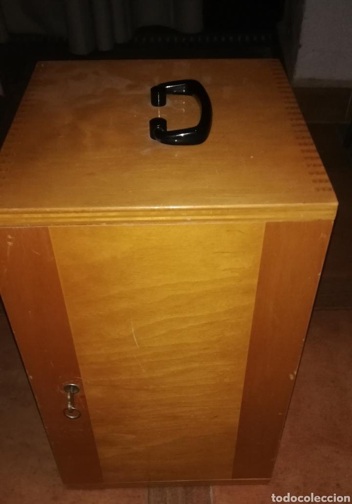 Antigüedades: Antiguo microscopio zeiss carl en su caja original - Foto 9 - 246818920
