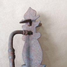 Antigüedades: MANILLA DE PUERTA ANTIGUA ORIGINAL. Lote 247273855