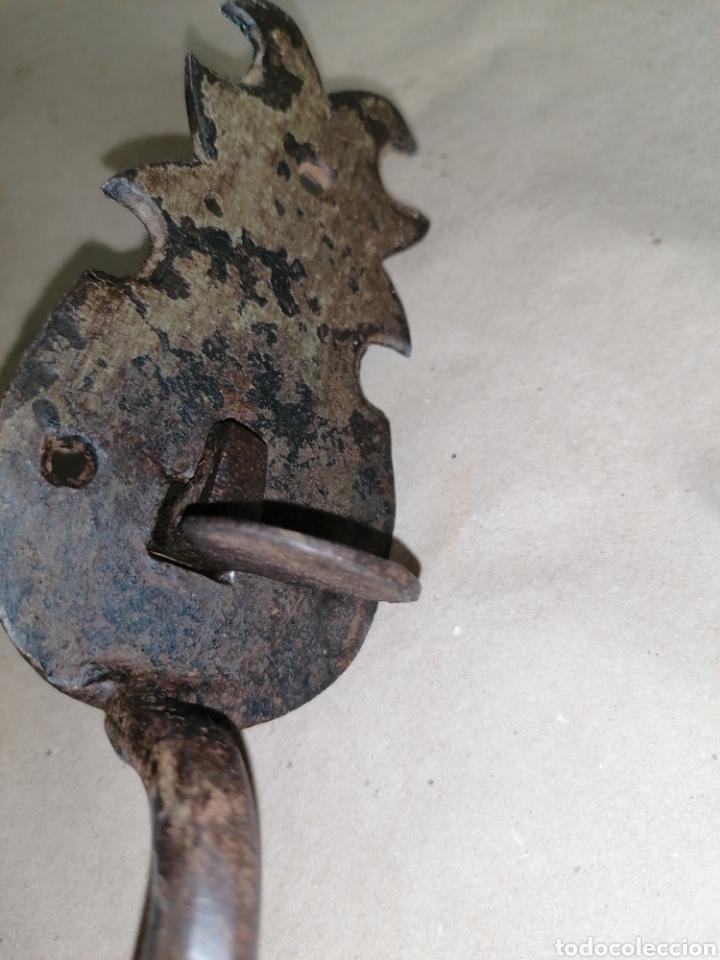 Antigüedades: Manilla de puerta antigua original - Foto 3 - 247295335