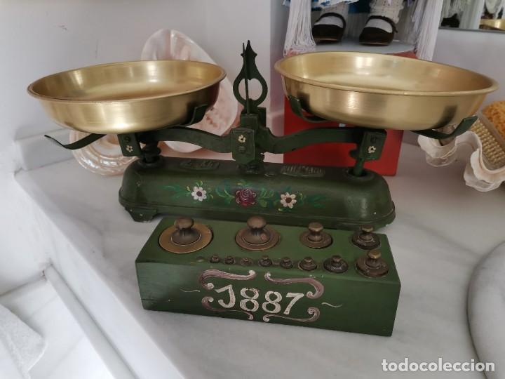 MUY BONITA BALANZA, POLICROMADA, ANTIGUA (Antigüedades - Técnicas - Medidas de Peso - Básculas Antiguas)