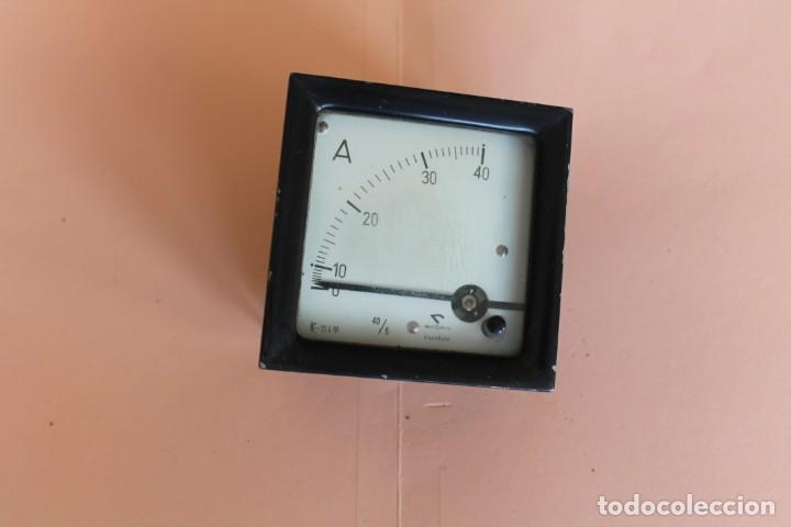 AMPERIMETRO. MEDIDOR DE CORRIENTE ELECTRICA DE 0 A 40 AMP. AÑOS 50. FABRICA GOSSEN ESPAÑOLA. (Antigüedades - Técnicas - Herramientas Profesionales - Electricidad)
