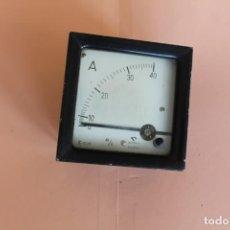 Antigüedades: AMPERIMETRO. MEDIDOR DE CORRIENTE ELECTRICA DE 0 A 40 AMP. AÑOS 50. FABRICA GOSSEN ESPAÑOLA.. Lote 247705790