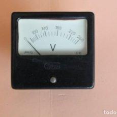 Antigüedades: VOLTIMETRO. MEDIDOR DE CORRIENTE ELECTRICA DE 0 A 260 VOLTS. AÑOS 50. FABRICA SILEX. MOD. C-10.. Lote 247706175