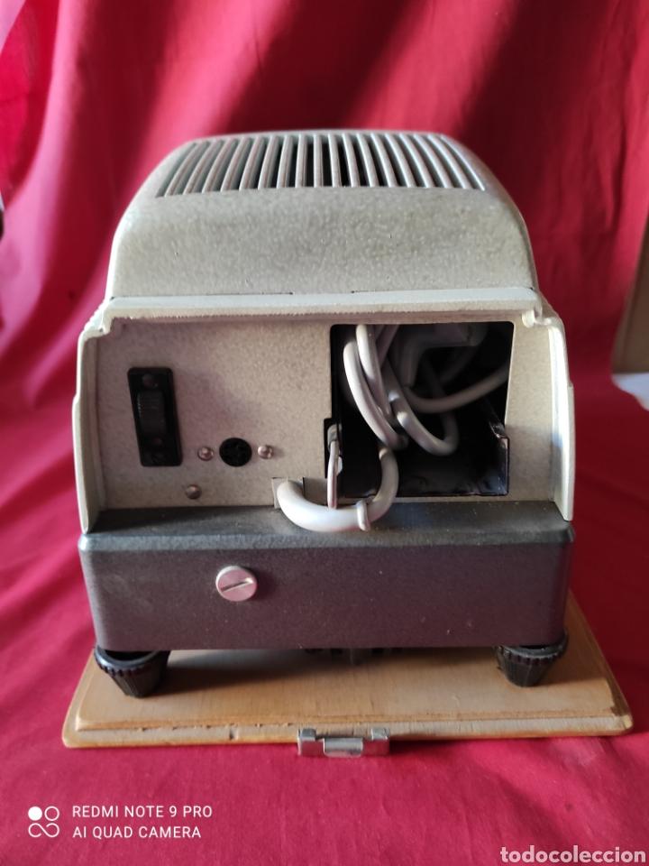Antigüedades: Antiguo proyector de diapositivas la marca BRAUN NURNBERG MODELO Paximat- n⁰ 12 - Foto 4 - 247739665