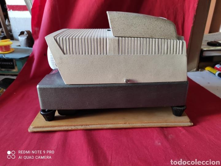 Antigüedades: Antiguo proyector de diapositivas la marca BRAUN NURNBERG MODELO Paximat- n⁰ 12 - Foto 5 - 247739665