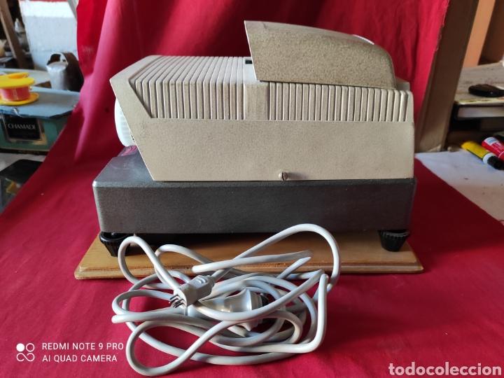 Antigüedades: Antiguo proyector de diapositivas la marca BRAUN NURNBERG MODELO Paximat- n⁰ 12 - Foto 6 - 247739665