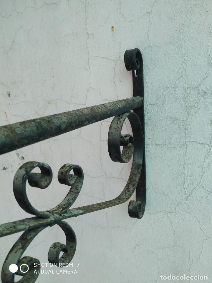 Antigüedades: soporte farol hierro brazo para farola escuadra cartel, lampara, casa rural - Foto 2 - 247744455