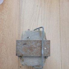 Antigüedades: ANTIGUO TRANSFORMADOR. Lote 247969290