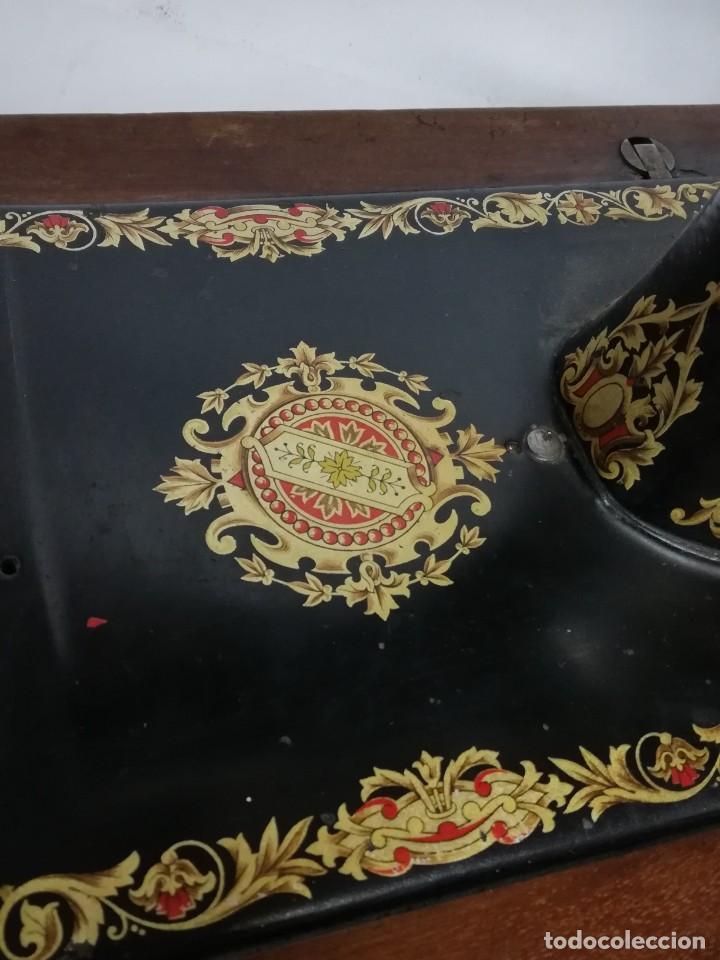 Antigüedades: ANTIGUA MAQUINA DE COSER JONES de 1900-1915 FUNCIONADO, PERO LE FALTA LA AGUJA, REALMENTE BONITA Y E - Foto 6 - 248153135