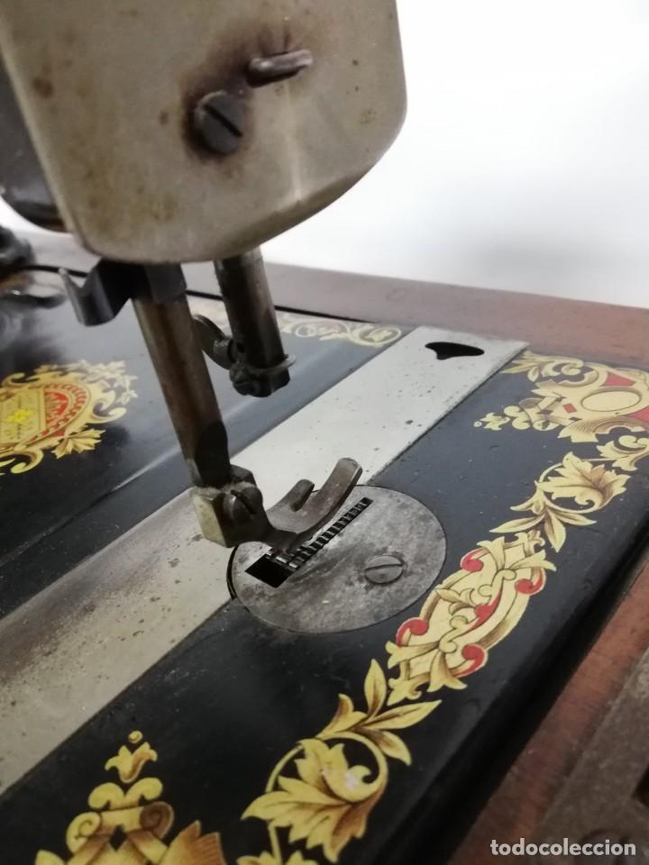 Antigüedades: ANTIGUA MAQUINA DE COSER JONES de 1900-1915 FUNCIONADO, PERO LE FALTA LA AGUJA, REALMENTE BONITA Y E - Foto 13 - 248153135