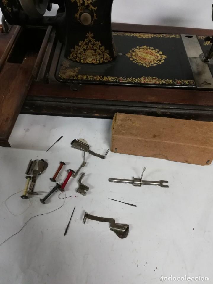 Antigüedades: ANTIGUA MAQUINA DE COSER JONES de 1900-1915 FUNCIONADO, PERO LE FALTA LA AGUJA, REALMENTE BONITA Y E - Foto 15 - 248153135