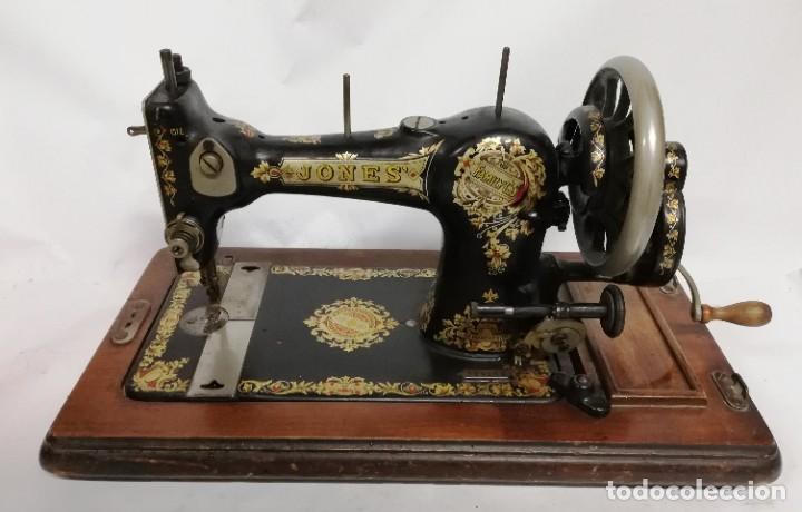 ANTIGUA MAQUINA DE COSER JONES DE 1900-1915 FUNCIONADO, PERO LE FALTA LA AGUJA, REALMENTE BONITA Y E (Antigüedades - Técnicas - Máquinas de Coser Antiguas - Otras)