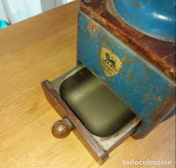 Antigüedades: Centenario molinillo de café francés en uso Peugeot Frères - Foto 4 - 248570550