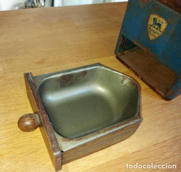 Antigüedades: Centenario molinillo de café francés en uso Peugeot Frères - Foto 6 - 248570550