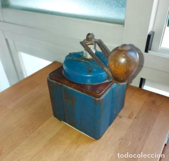 Antigüedades: Centenario molinillo de café francés en uso Peugeot Frères - Foto 7 - 248570550