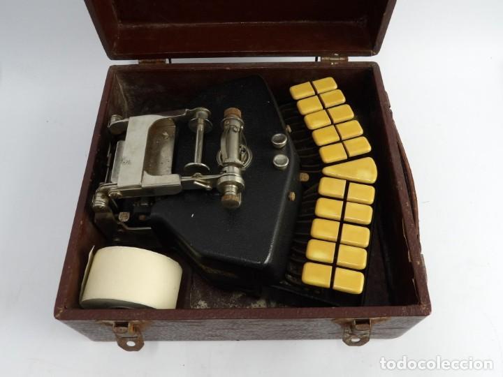 Antigüedades: Máquinade escribir Steonotipe marca GRANDJEAN, fafricada en Francia el años 40/50 y número 19252. Co - Foto 2 - 248708205