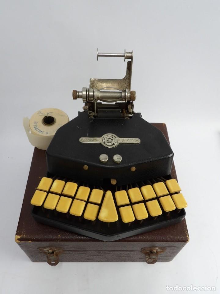 Antigüedades: Máquinade escribir Steonotipe marca GRANDJEAN, fafricada en Francia el años 40/50 y número 19252. Co - Foto 5 - 248708205