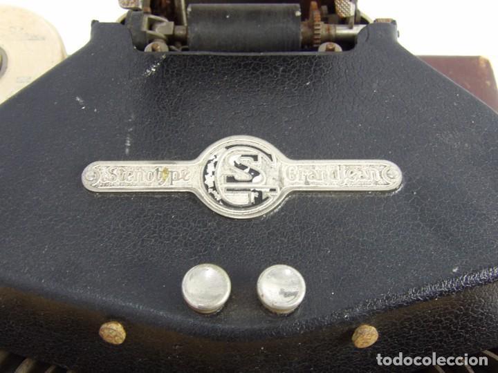 Antigüedades: Máquinade escribir Steonotipe marca GRANDJEAN, fafricada en Francia el años 40/50 y número 19252. Co - Foto 6 - 248708205